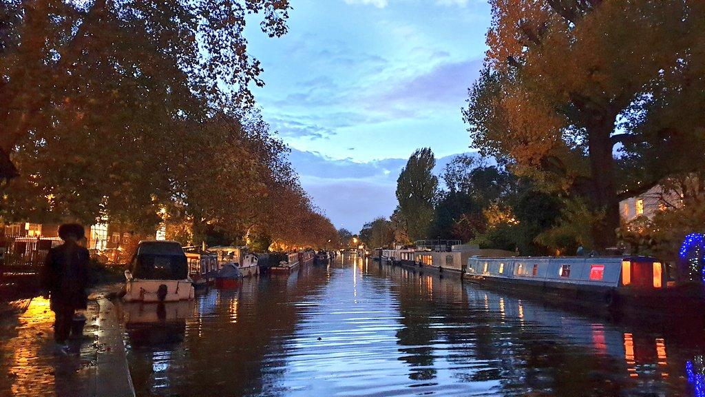 #fall #Autumn2020 #Autumn #Autumnwatch #canal #canalboat #canalwalk #London #England #UK #October2020 https://t.co/dgLInxCXOk