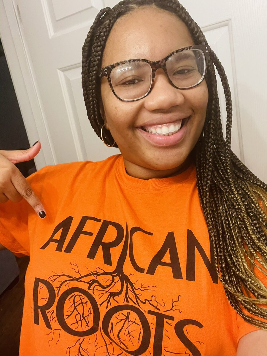 What is better than celebrating orange day while also giving props to my African Heritage? Absolutely nothing 🧡. @mark1_sims @EgarmanyMardell @RNECavaliers @northeaststugov #Cavoweentown #SpiritWeek https://t.co/oLo8GHLkRe