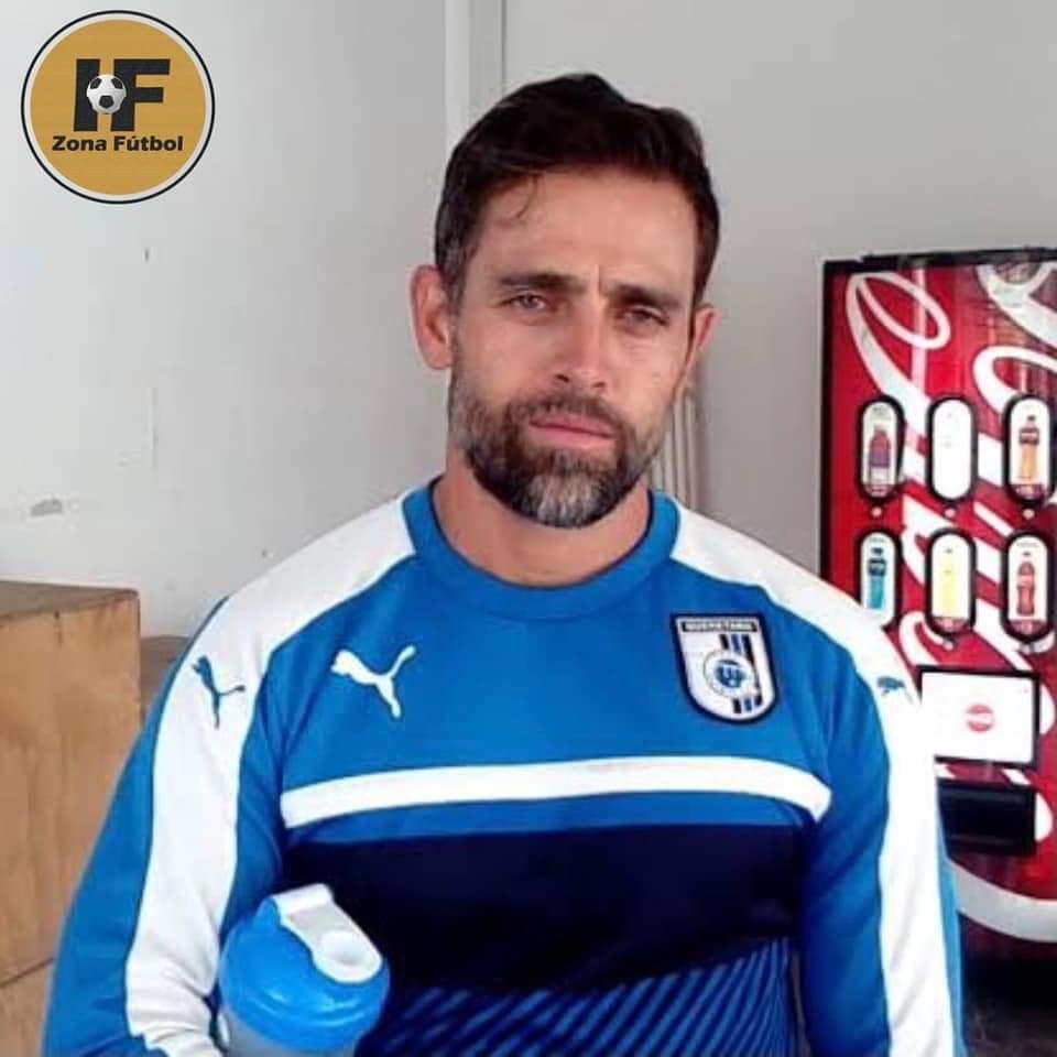 ⚽️| #IFNoticias #ZonaMaquina   Tras lograr con la Sub-15 de Cruz Azul hace un par de años, el Gringo tiene una nueva aventura, su primera en la Liga MX.   El Gringo se despidió hoy de la máquina, pues ahora será parte del proyecto de Altamirano como auxiliar técnico en Querétaro https://t.co/usPe0JcZaX