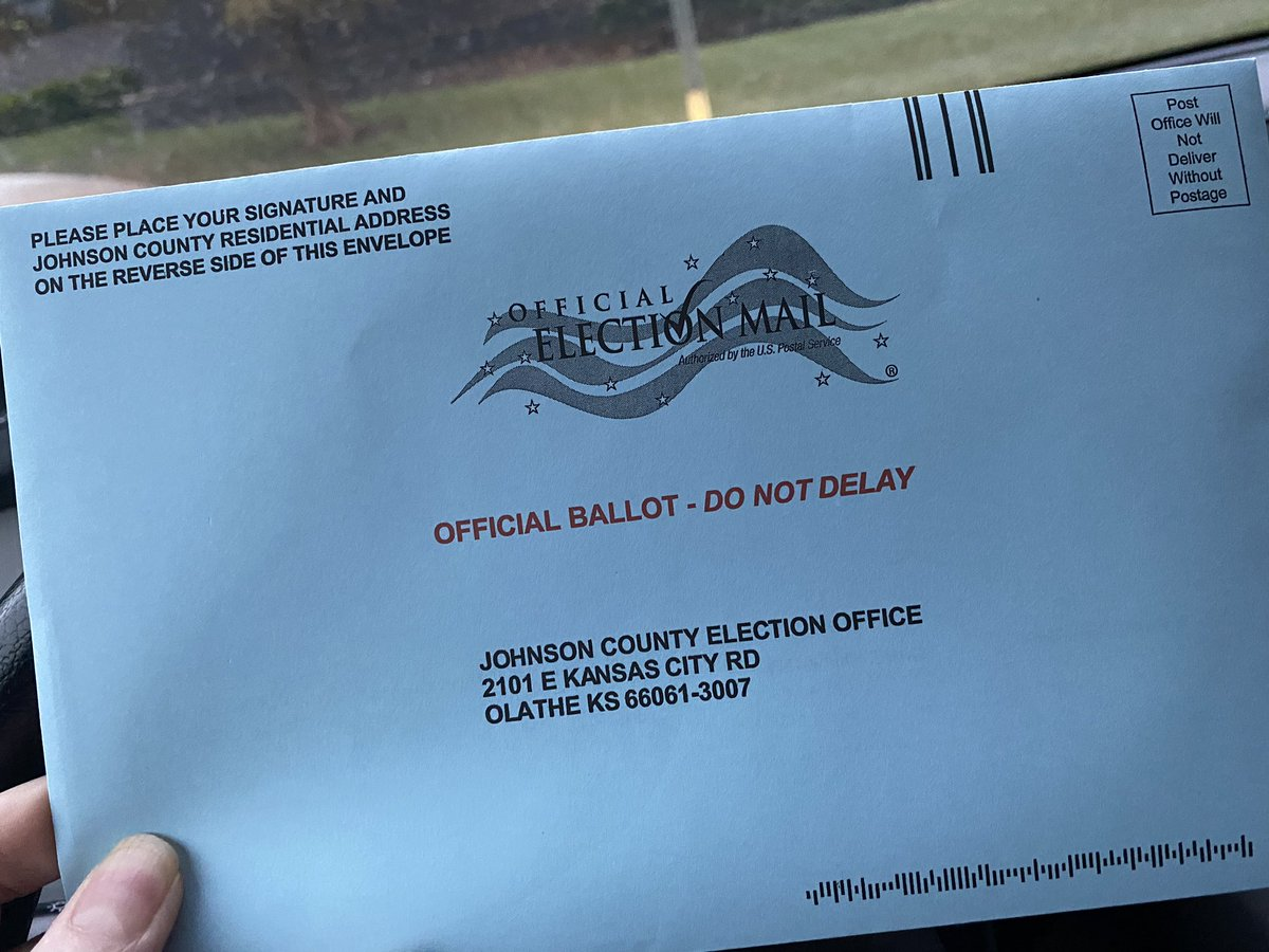I voted a #Democratic ticket today in #Kansas. It's time for this horror show to be over. #VoteBlueToSaveAmerica #BidenHarris2020 @BarbaraBollier @RepDavids https://t.co/bow2vyKYHt