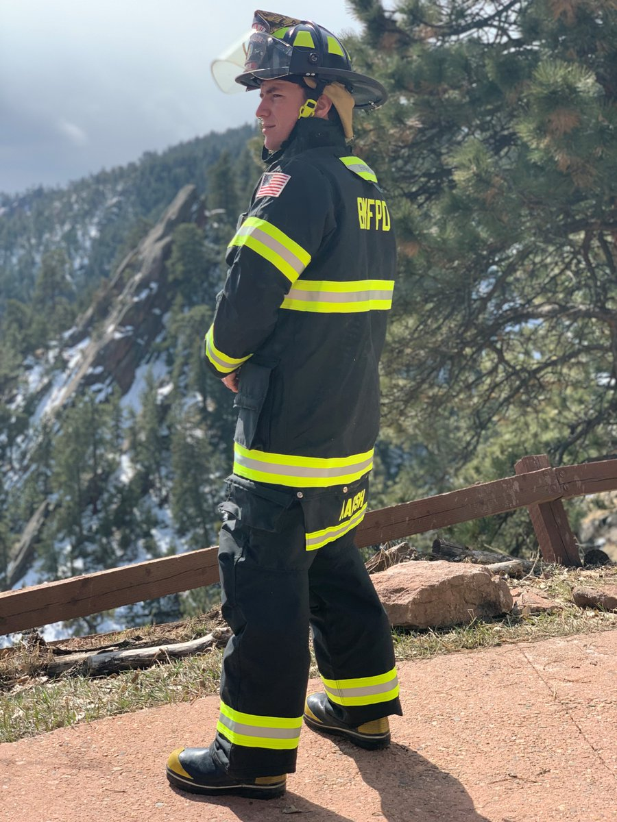 We would like to thank all of the first responders that have worked tirelessly to protect our community, including our own Thomas Marsh who is a volunteer firefighter!  #lefthandfire #lefthandcanyonfire #calwoodfire #NationalFirstRespondersDay https://t.co/bUmXPpMXSL