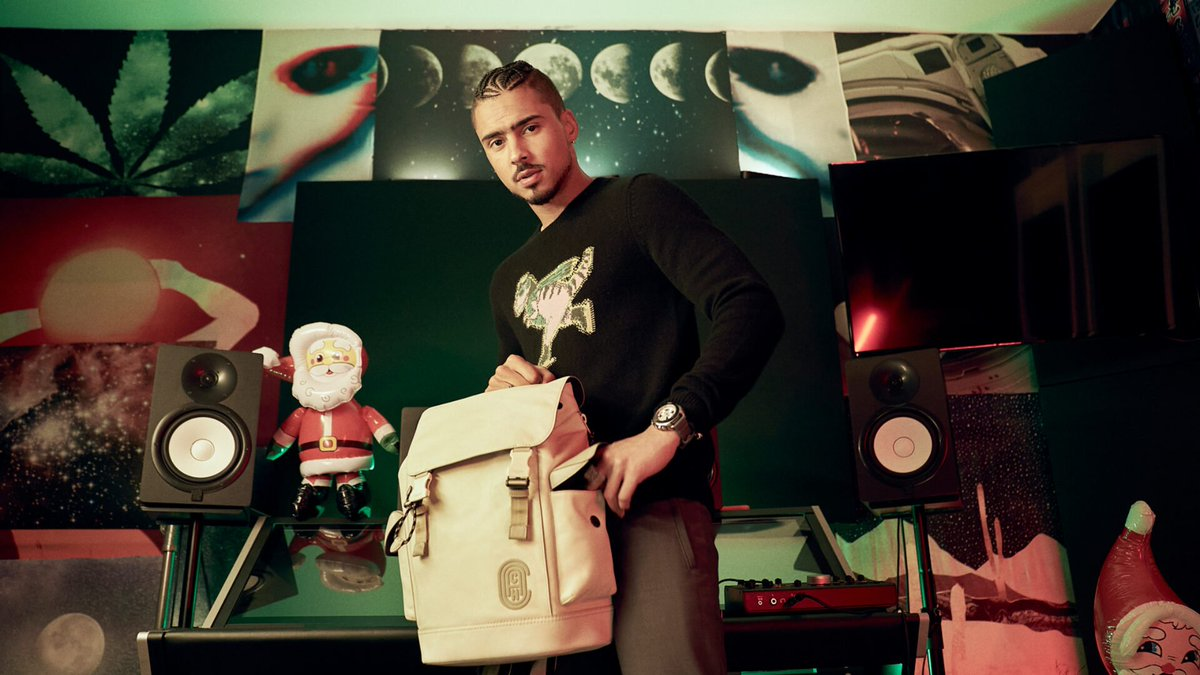 We love to see it: @Coach has tapped @Quincy for their holiday ads! Tap in to read what the actor had to say about the campaign. 🎄 ow.ly/c87850C5vVH