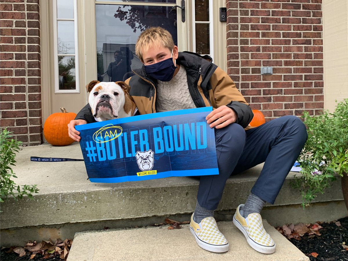 I just surprised Connor with his admission to the @butleru class of 2025! Wanna see the surprise?! Check out @WTHRcom at 11! #GoDawgs #ButlerBound https://t.co/Y4OvuNlbw1