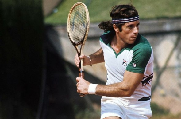 Vilas' 1977 season: Most 🏆 (16)  Most Finals (22) Most points (2047) Winning 2 Slams🏆+RU (1977 Jan-AO) Winning streak: 46 all-surface,53 on clay Not disrespecting his rivals, but how he couldn't have been No.1 w such metrics? Anyone think this injustice could be repeated today? https://t.co/KSy12Pw4cm https://t.co/WHtWiNT6ok