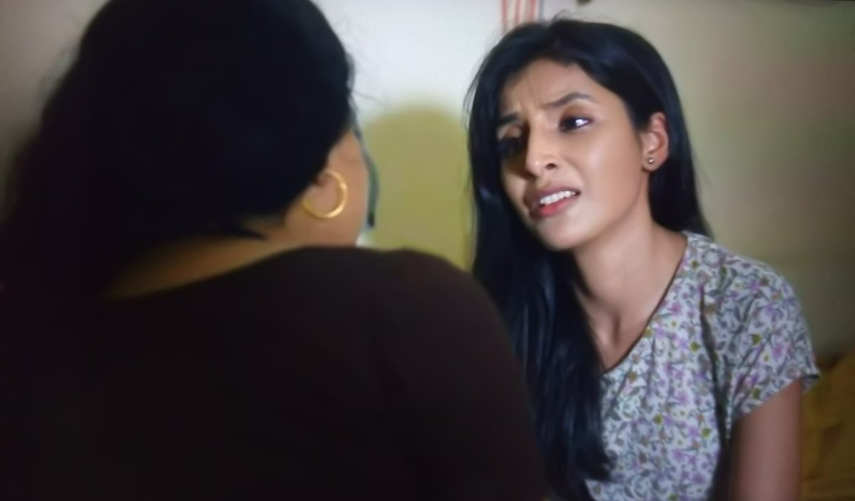 [ 𝐄𝐩𝐢 6- 17.07 ] I Cried along with them here. She gets so much engrossed in Dimpy's character, that I don't see Harshita I only see her character.  Both of them had done a great job!  #Mirzapur #HarshitaGaur #sheebachadha