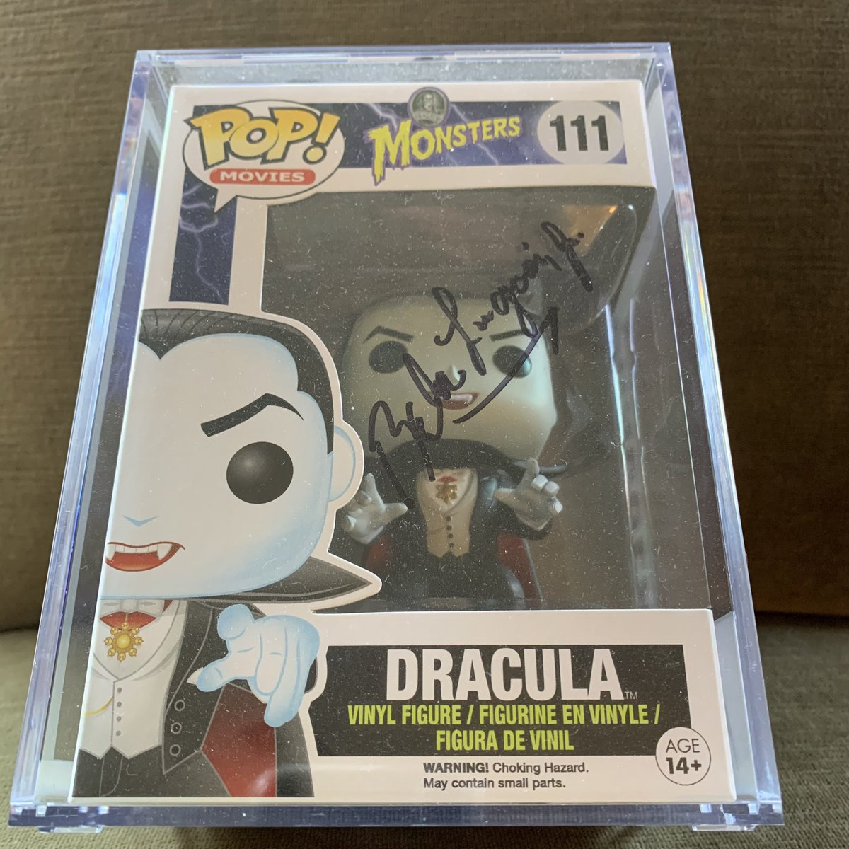 My autographed Dracula signed by Bela Lugosi, Jr.   Bela Lugosi, Sr was not... available. @originalfunko  #lugosi #dracula #funkopop #universalmonsters #autograph #belalugosi #halloween https://t.co/NLHO5Lc4Z2