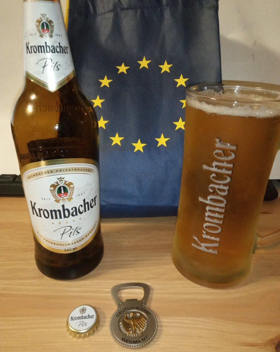 @krombacherUK Prost! #Krombacher #Pils #Pilsner #beer #bier #birra #pivo #cerveja #alus #piwo 🇬🇧🇪🇺🇩🇪👍🍻😷 https://t.co/Ad6yJ7O1w9