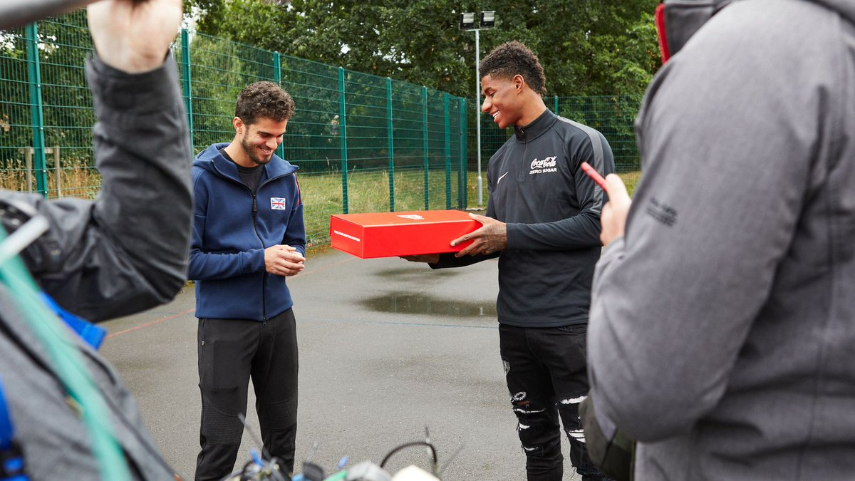 https://t.co/01TWG0IWdd MOVIE MOOD, Manchester United to provide 5,000 school meals during October half-term | Football News | Sky Sports   https://t.co/fNTcYcZXQh https://t.co/7Jvfe9Agcb