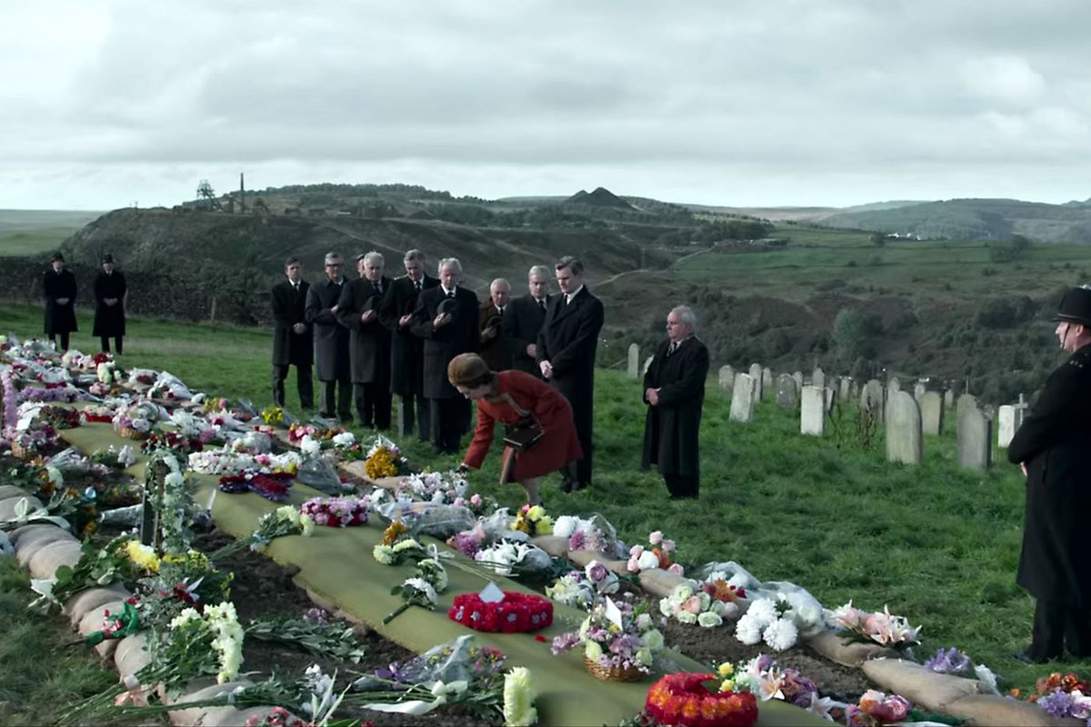 Now into S3 of @TheCrownNetflix - the cast change at the beginning of the season was jarring, but ep3 on the Wales coal disaster is one of the finest episodes of TV I've ever watched. Heartbreaking and amazing. #TheCrown https://t.co/5jUEmIkAsd
