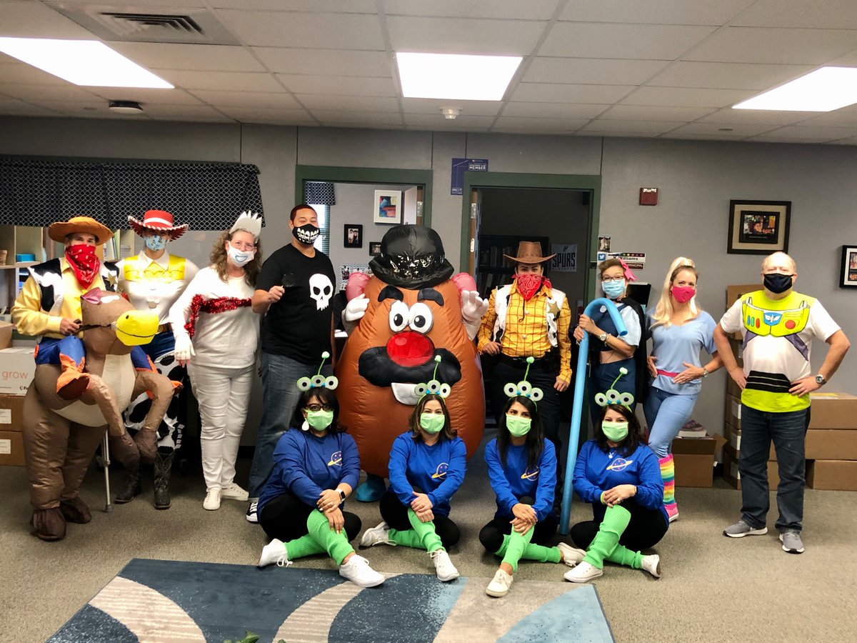 Making the best of the day.. with WaCkY WeDnEsDaY #toystory https://t.co/Ce7TvvG1Tf