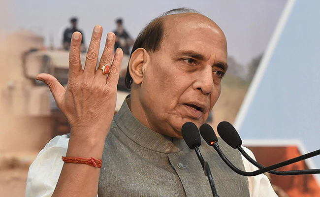 Indian Troops Standing Firm, Talks With China To Continue: Rajnath Singh https://t.co/465v25os65 https://t.co/V3mdmjfYDl
