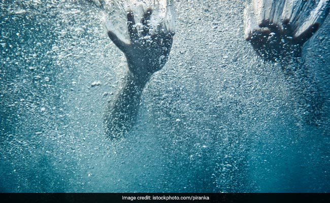 6 Children Drown While Swimming In Stream In Andhra Pradesh https://t.co/i2jtlGm2Jh https://t.co/WshztCzsfj