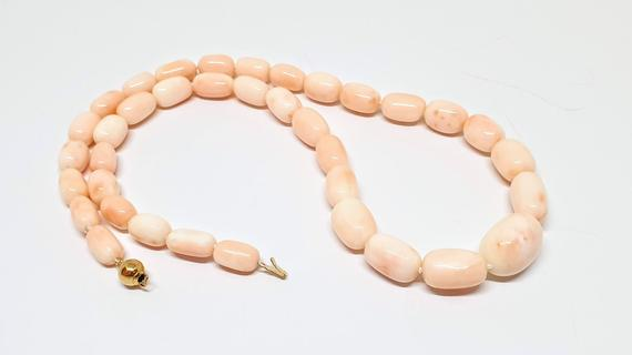Necklace Genuine Pink Coral - olive shaped - https://t.co/92Iycx1z3J #coral #italy #mediterraneancoral #italiancoral #genuinecoral https://t.co/XKd1aMIHCv