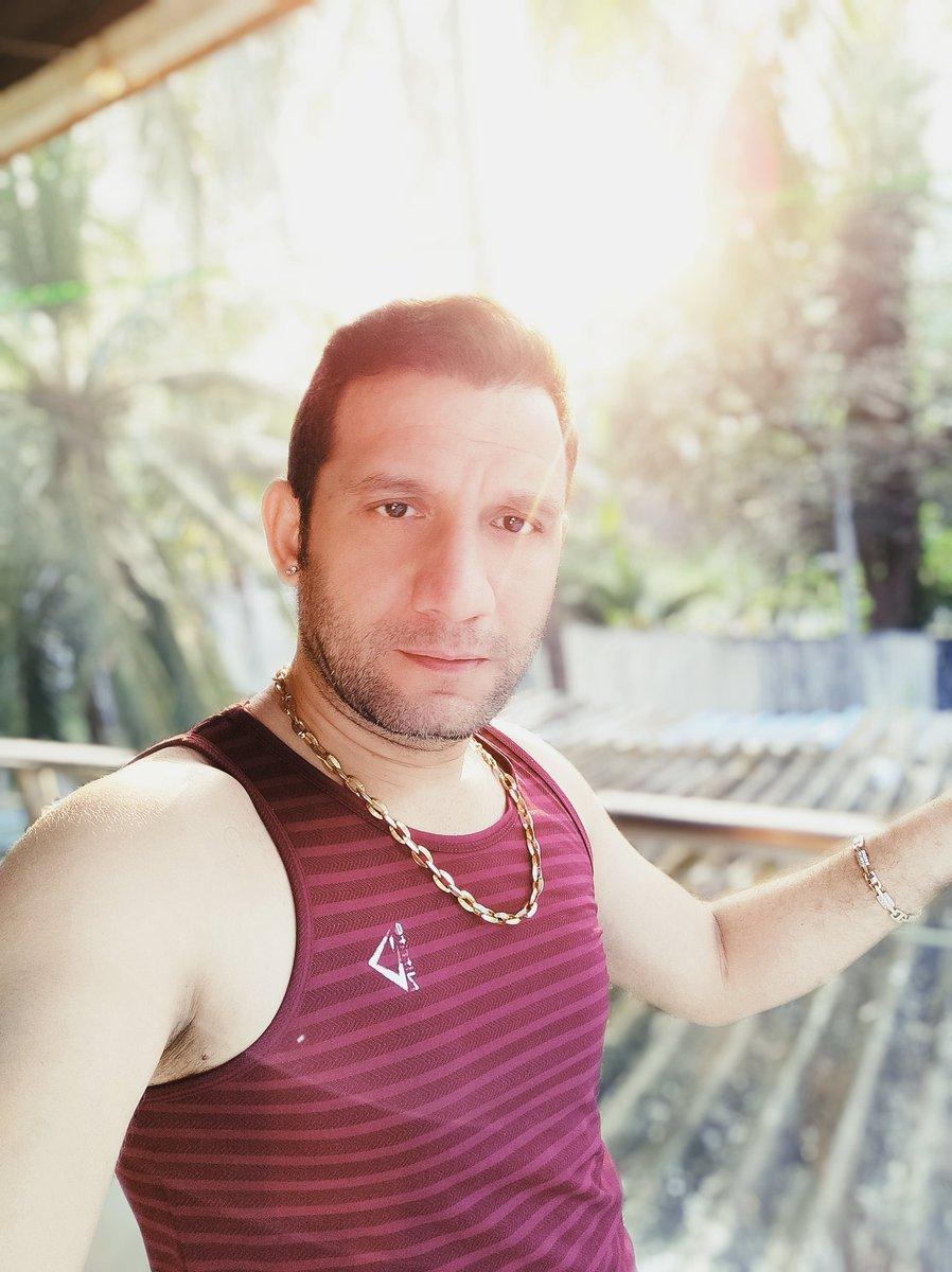 Hotness of the sun seems less before hotness of me👄👄👅👅🔥🔥  . #abhinav #abhinavofficiall #hot #drape #garmi #dilbar #style #girl #handcrafted #sareedraping #saree #nachinachi #indowestern #design #hautecouture #ektohkumzindagani #pasleys #likeforlikes #thatslife #silhouette https://t.co/fT2XtQvb0O
