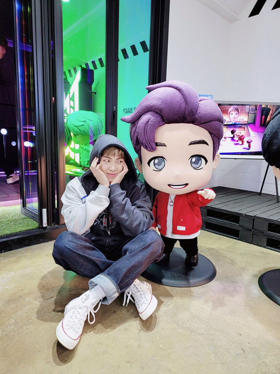 〖 Day 302, #오늘의방탄〗  -#Dear_ARMY from Jin and Jungkook! https://t.co/tYHV6LOe5F -BTS visited the mots pop up store! -Joon tweeted!! https://t.co/MeZX1Uazs0 https://t.co/Hs08oAaK0p