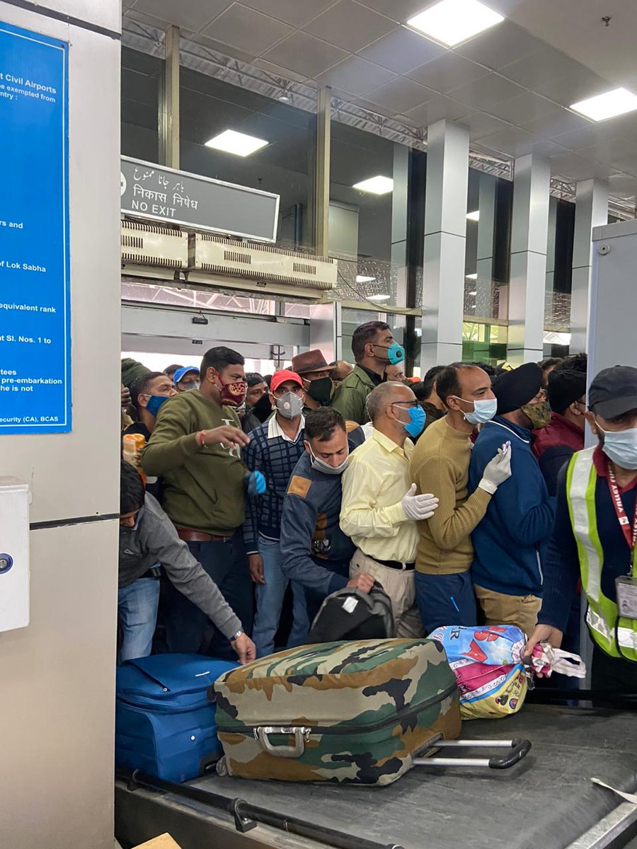 .@HardeepSPuri .@manojsinha_   .@MoHFW_INDIA @DGCAIndia  Shocking violation of #COVID19 protocol ,sheer incompetence of authorities & security personnel at #SrinagarAirport. Horrible to say the least. Someone needs to take responsibility. Hats off to airline staff still managing. https://t.co/C1sw4qV0uk