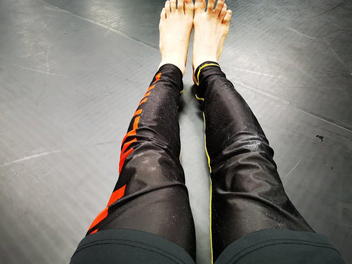 13:00の寝技クラスはギロチンチョークのディフェンスと、ヴァンフルーチョークを練習しました😄  #東中野 #柔術 #グラップリング https://t.co/6XYceKHJaD