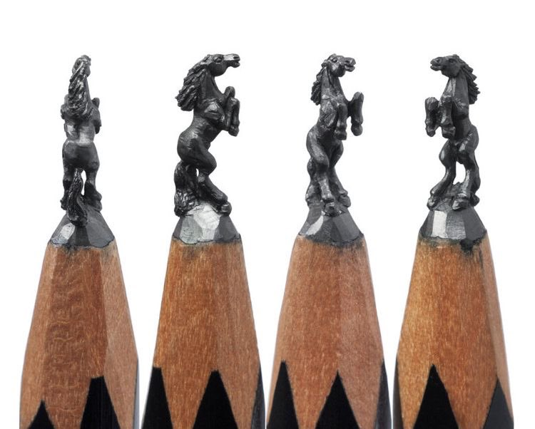 Amazing pencil lead carving.