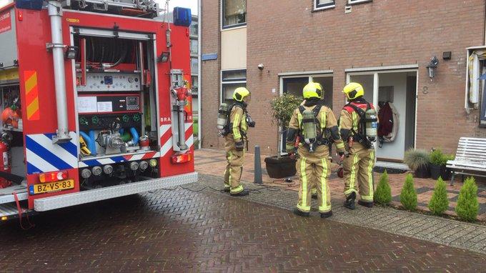 Binnenbrand Burgerstraat Naaldwijk betrof een kleine keukenbrand, niemand gewond. https://t.co/54iZrp4VYT