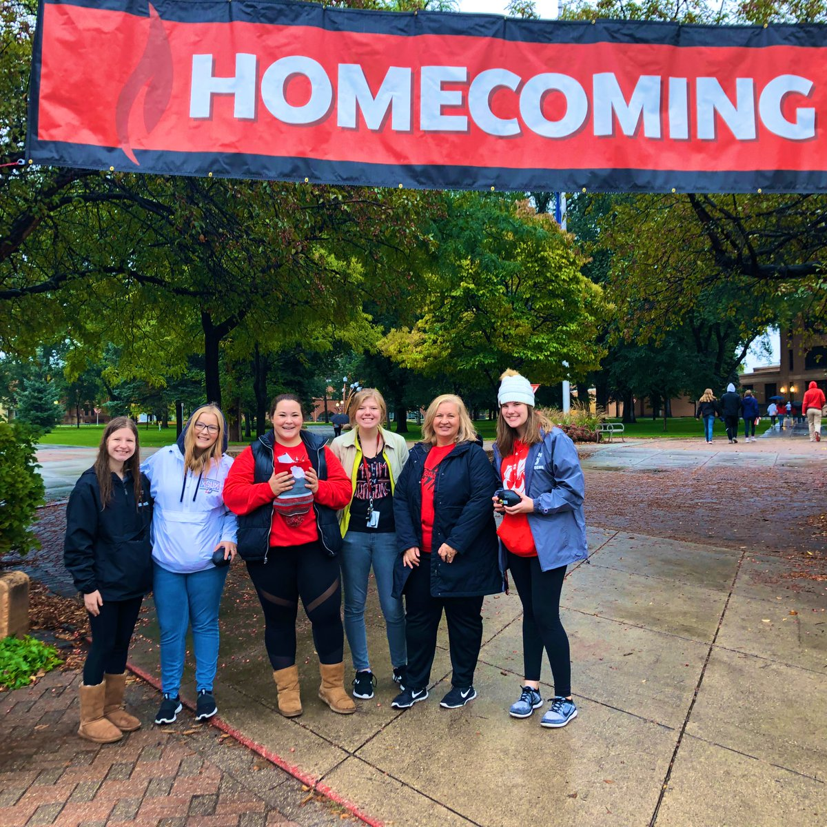 I give because I believe education and the college student experience changes lives for the better. #FirstGenerationStudent #StudentSuccess #BrightFuture #MSUMGivingDay #OpeningDoors https://t.co/WABukNvm97 https://t.co/laLKBDw2IX