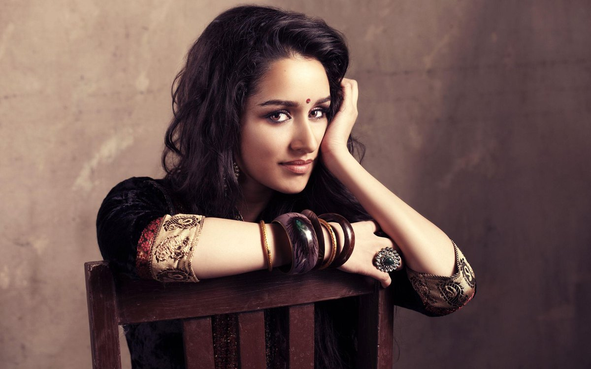 Shraddha Kapoor is set to star in the lead of a 3 film franchise titled Nagin. The film will be produced by #NikhilDwivedi and Directed By #VishalFuria .   #movies #films #Bollywood #ShraddhaKapoor