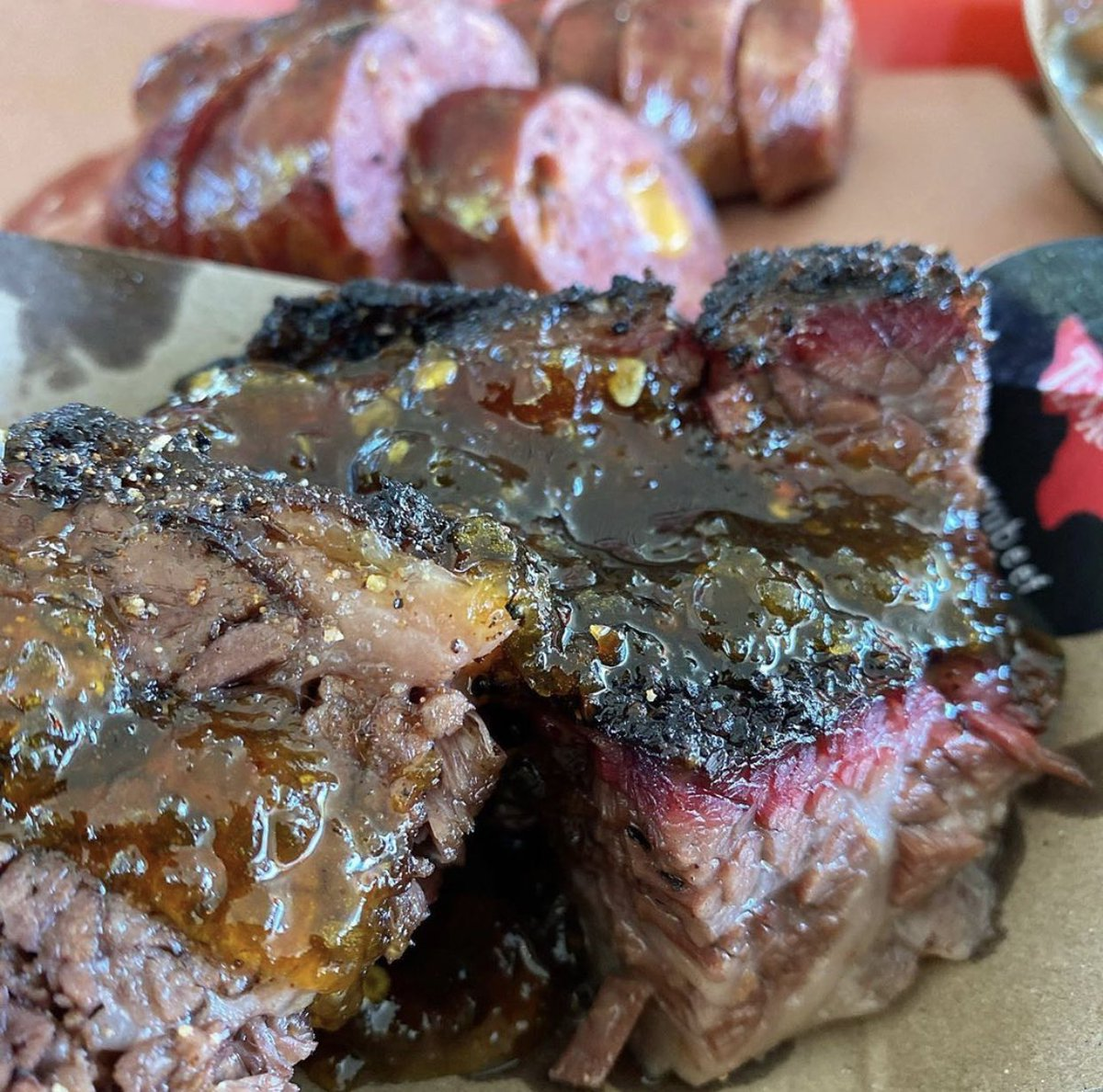 Thanks @onebeardtwobellies for this Wagyuey Burnt Ends shot with our in house jalapeño jam! . 📷: @onebeardtwobellies  . #derekallansbbq #wagyubeef #wagyu #burntends #burntend https://t.co/nE4QclsQ79