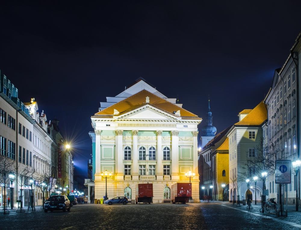 """Mozartův Don Giovanni: """"Opera oper"""", jak bývá toto dílo přezdíváno, zažila svou premiéru přesně 29. října 1787, tedy před 233 lety v pražském Stavovském (tehdy Nosticově) divadle: https://t.co/CslqXH4ZJ6  #kultura #cestovniruch #kudyznudy #praha https://t.co/nC1EekwUda"""