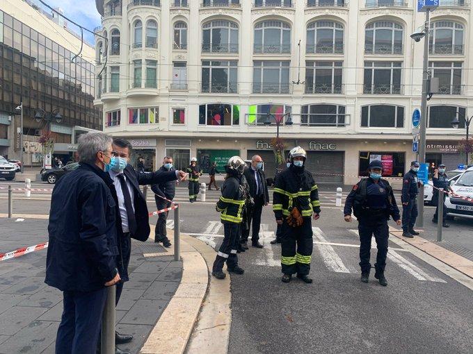 فرنسا تشهد حادثة طعن جديدة.. مقتل 3 بينهم امرأة قُطع رأسها وإصابة آخرين