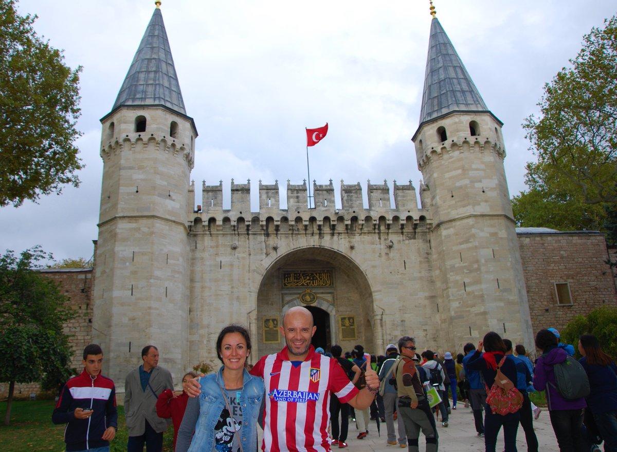 29 de Octubre. Dia nacional de Turquía (realmente Día de la República). Nosotros llevamos hasta allí la rojiblanca en Septiembre de 2014. #PalacioTopkapi #Estambul @Atleti #AúpaAtleti #ForzaAtleti https://t.co/Earn5KvL0d https://t.co/QcfjznpmZK