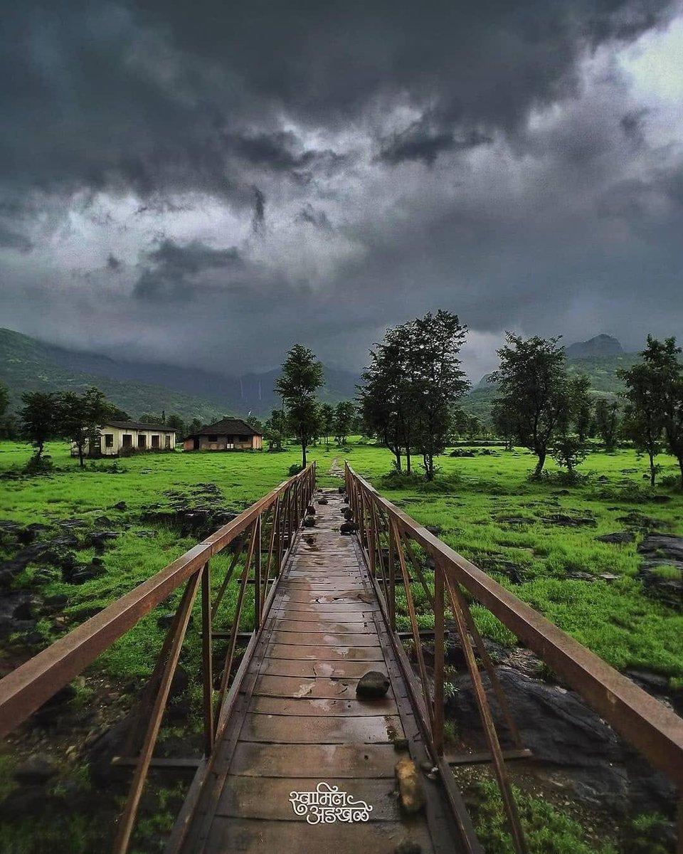Thank you @PopliBane for sharing such an alluring view of monsoon from Ratnagiri, Maharashtra! #DekhoApnaDesh @maha_tourism