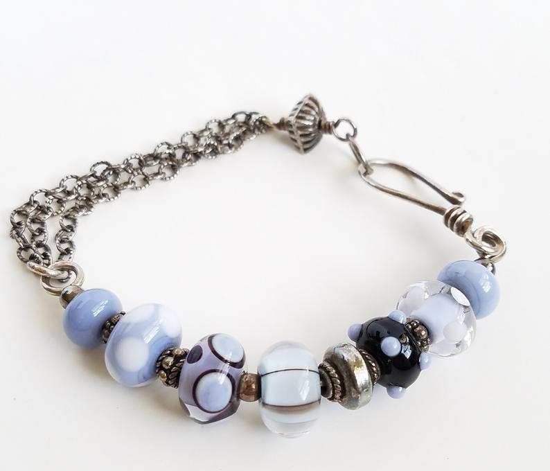 Blue Bracelet   Etsy Fantastic look with blue denim!  https://t.co/mf22HQq49c  #Etsy #etsyhandmade #handmadejewelry #bracelets #jewelrylovers #etsyshop #etsygifts #giftsforher #fashionjewelry #fallfashion https://t.co/Sa0n7wNyge