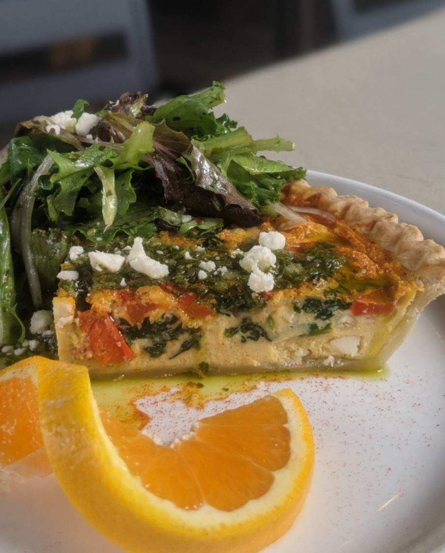 Back by popular demand is Sunday Brunch from 11am-2:30pm! Come enjoy some cool jazz and delicious food, like our Quiche & Greens. Maybe order a bottomless mimosa or one of our other great bar specials! #cityrange #brunch #sundayfunday #yeahthatgreenville https://t.co/T2n3Cv6xUF