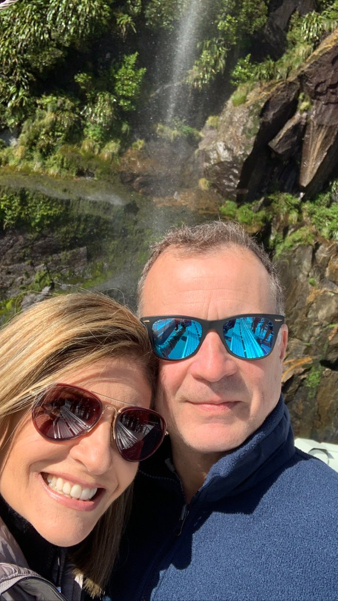 #TBT recordando un viaje a #nuevazelanda en febrero de este año con mi esposo @AllanLevi ❤️ #vacaciones #amor #recuerdos #viajes One of the most beautiful trips we took early this year to #newzealand - how we miss what we once took for granted.  #love #vacations #trips #travel https://t.co/HTz9wOfxcz