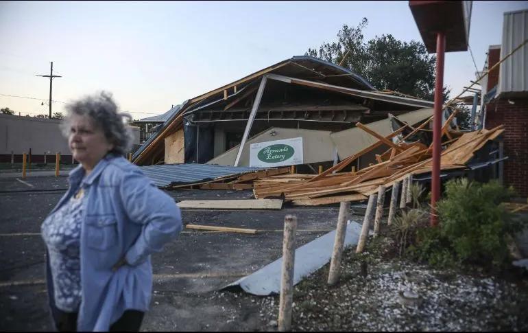 El huracán Zeta deja al menos tres muertos tras su paso por el sur de Estados Unidos. Al menos tres personas han muerto en Luisiana, Misisipi y Georgia desde que el huracán Zeta tocó tierra este miércoles al sur de Nueva web.facebook.com/Radiocuervouru…