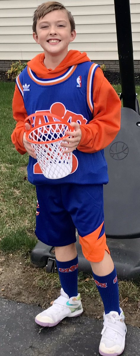 .@egoldie80 @Mark25Price My son's #Halloween costume was a splash! 🏀 🎃 💙 🧡 🤍 #BeTheFight https://t.co/YT1K0swQYB