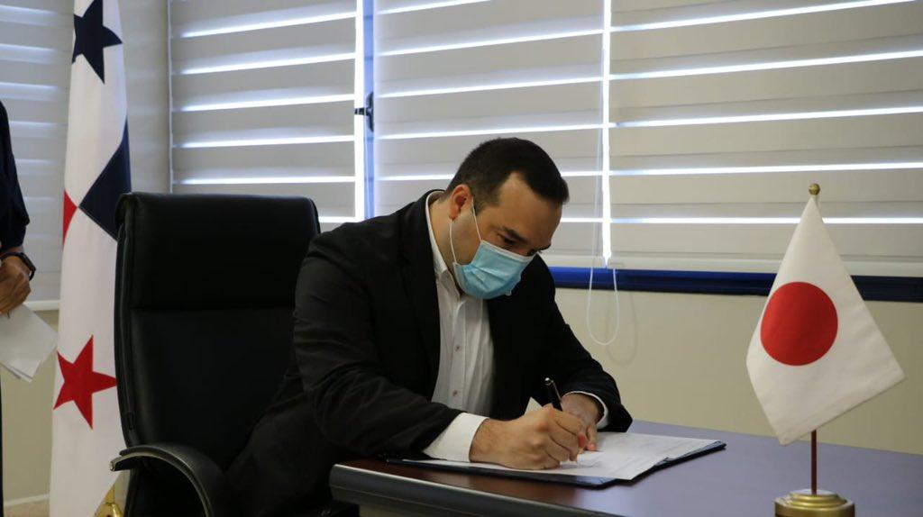 En esta ceremonia también se firmó el contrato con el sub-contratista nominado ( Hitachi y Mitsubishi) encargados de proveer el material rodante (monorriel) y el sistema integrado de operaciones.   Transformamos el futuro de Panamá🇵🇦 #UnPanamaMejor https://t.co/I1FVlAuZMi