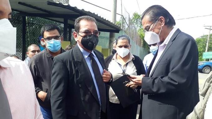 Nueva obstrucción militar a juez Guzmán por archivos de masacre El Mozote