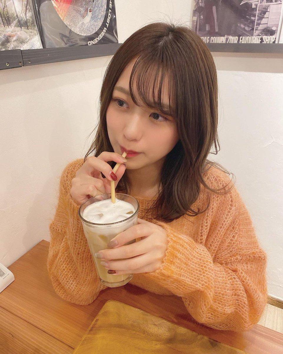 @#篠崎彩奈: _ 今日はお仕 ...    #ayanashinozaki #Akb48 #AyanaShinozaki #ShinozakiAyana #カフェ #カフェラテ #ヘアアレンジ    https://t.co/m1htcZ2O3M https://t.co/9WcmHQcLDP