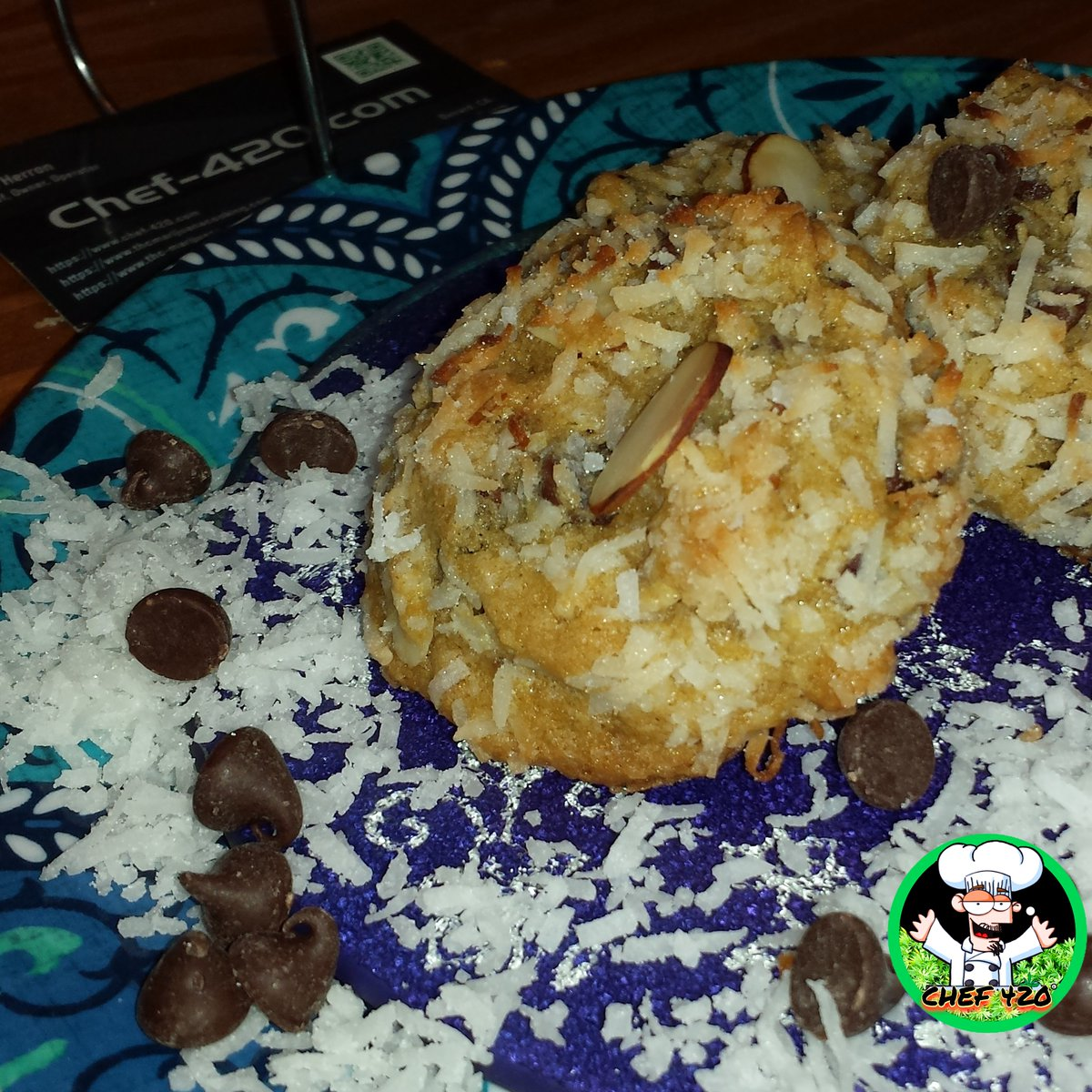 By chef 420 Coconut Almond Joy Cookies are the perfect blend of coconut, semi sweet chocolate and sliced almonds. Quick, Easy Recipe You know you want some.  https://t.co/jxwbEvR6s9  #Chef420 #Edibles #CookingWithCannabis #CannabisChef #CannabisRecipes #InfusedRecipes #420 https://t.co/aP0Gt5JIYy