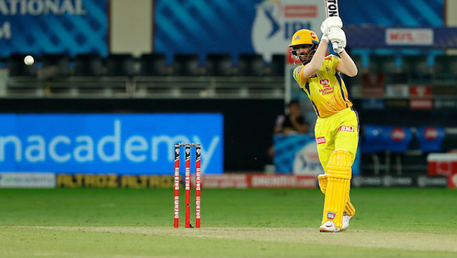 4⃣! 4⃣!   Good attempt by Nagarkoti at square leg boundary but he failed to stop the ball from touching the ropes. Gaikwad hits another boundary straight down the ground. He is looking in good touch.  CSK 37/0 after 5 overs  #CSKvKKR  #IPL2020  LIVE https://t.co/XbBA4JnvQo https://t.co/lyHERBGWz6