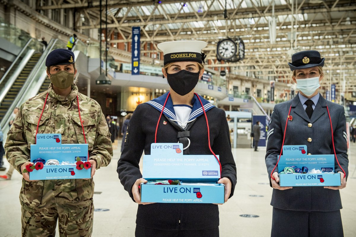 Today is London Poppy Day! Armed Forces personnel were joined by Chief of the Defence Staff, General Sir Nick Carter while supporting the #PoppyAppeal at train stations across London. #EveryPoppyCounts