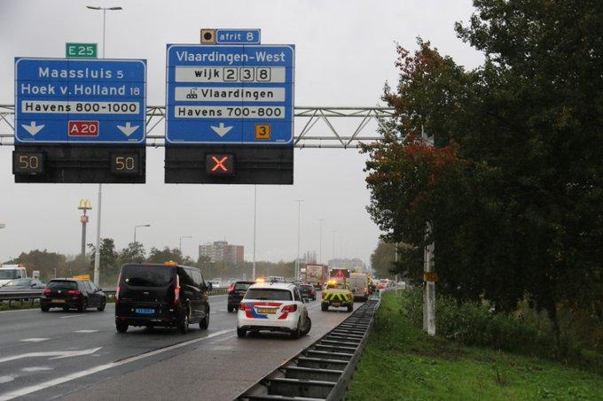 Gewonde bij ongeluk op snelweg A20 https://t.co/qKhwuZwzCr https://t.co/dF0UliqgGM