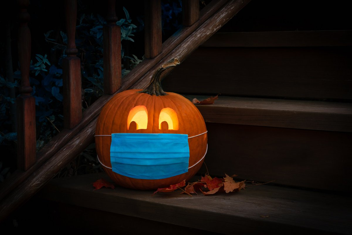 Trick-or-treating is not recommended this #Halloween but there are many creative ways to have a fun & spook-tacular celebration with the people you live with this year! See our #COVID19-friendly ideas here: ow.ly/wZXg50C6cFg
