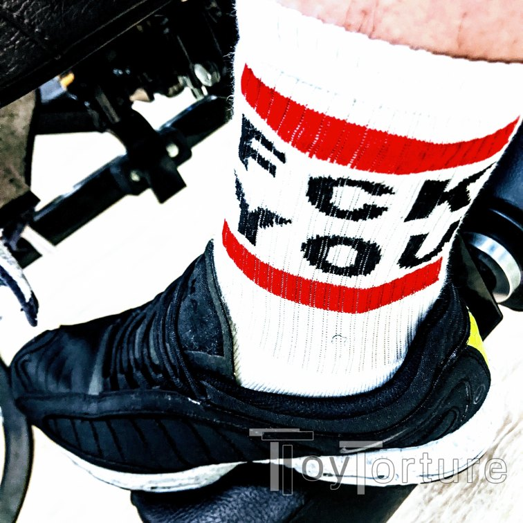 test Twitter Media - Final workout at the gym before the shutdown light forces me back to the TRX at my playroom. Expressing my opinion towards the Corona virus with @sk8erboy_shop sox today #FckYouCovid https://t.co/PLSIhaGugf