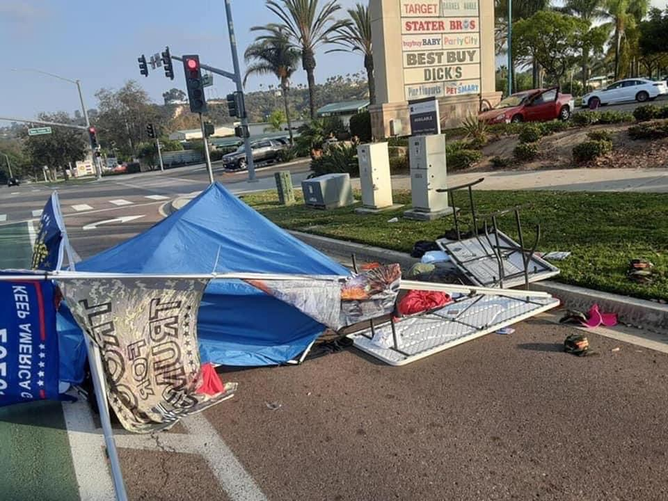 @KUSINews @realDonaldTrump What happened to the man running the pop up Trump store that was attacked in Encinitas? https://t.co/9ER6XfzQbq