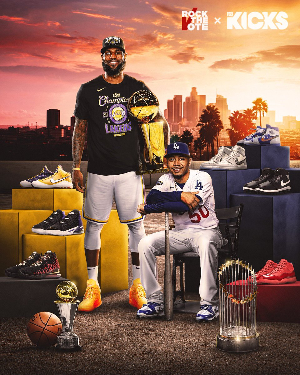 City of champions 🏆 @KingJames and @mookiebetts put on for Los Angeles with a lot of 🔥 https://t.co/612zNfUaVo