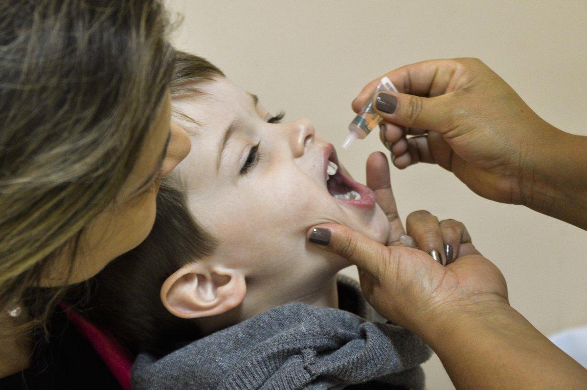 Campanha de vacinação contra poliomielite é prorrogada em todo o País - https://t.co/PBP0PuYVs9 https://t.co/9bUwF9VCij