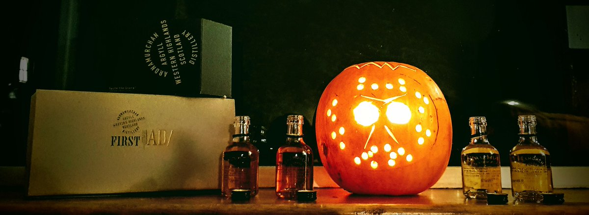 The tasting is on. @SouthportWhisky @Distillery1826 #southportwhiskyclub #whisky #scotch #halloween #spooky #lithca @LithcaW https://t.co/QMGrQVfQjM