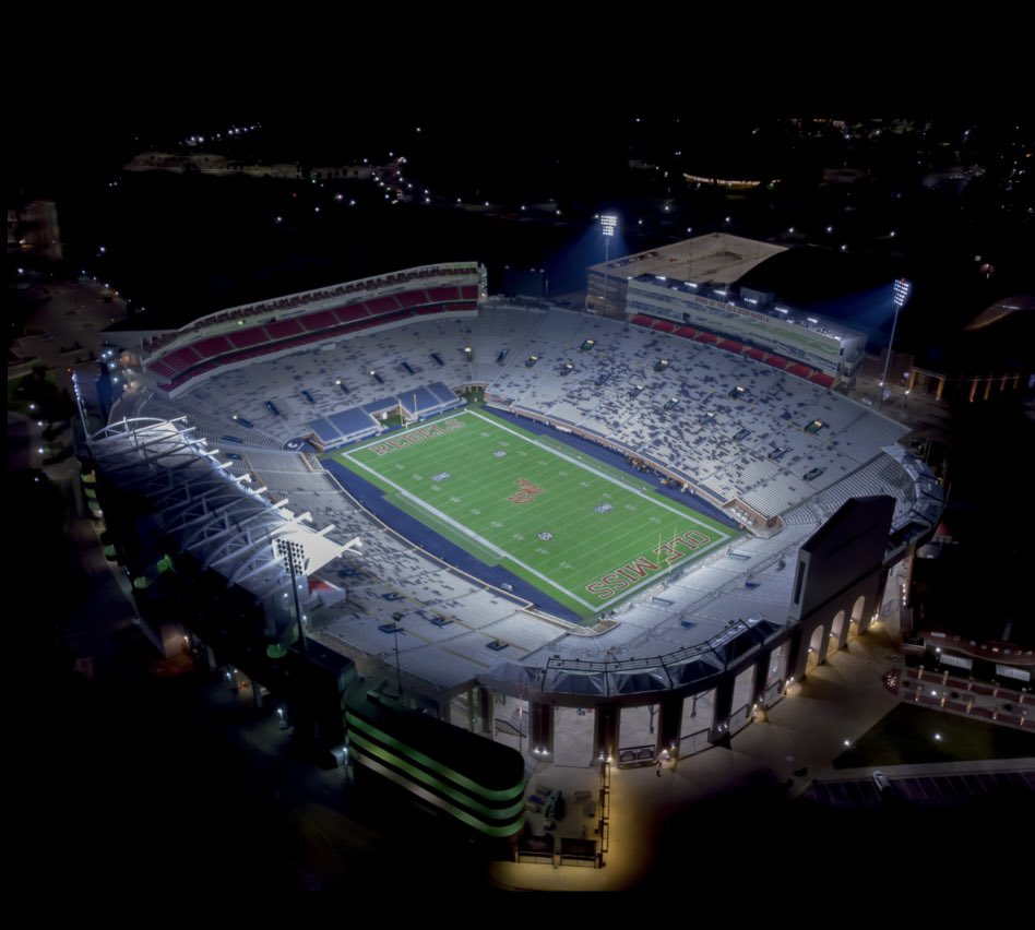 After a great call with @CoachCPartridge I am honored to announce I have received an offer to The University of Mississippi @Mansell247 @ErikRichardsUSA @ChadSimmons_ @DemetricDWarren @HamiltonESPN @adamgorney @Rivalsfbcamps @SWiltfong247 @recruits_west