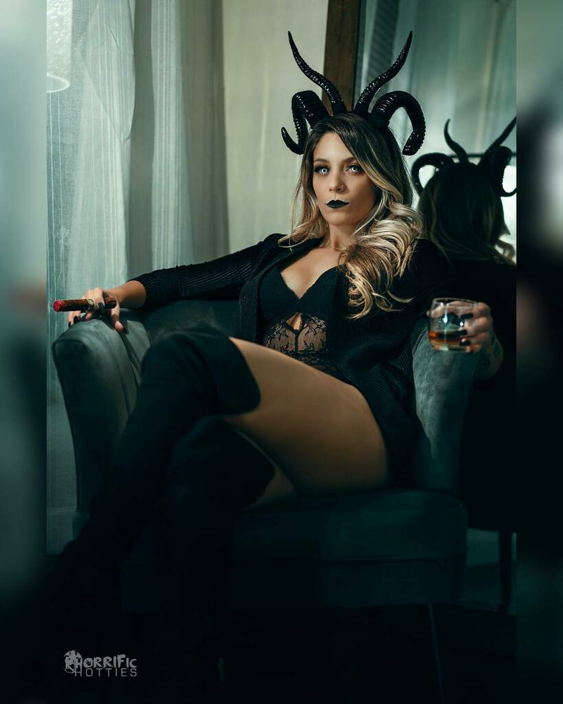 Let one of the shoot.  All I know is @laneyfeni is one succuboss bitch.  . . . #succubus #bossbitch #halloween #scotch #cigar #horror #scary #spooky #cosplaygirl #outofcosplay #boudoir #horns #geekgirl #gamergirl #naturallight #naturallightphotography #p… https://t.co/4sP69mlprV https://t.co/b2Jpr3oZmu